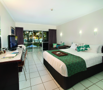 Mission Beach Accommodation Coral Sea Room